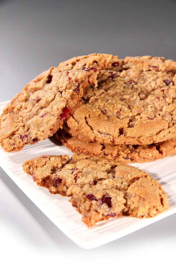Productafbeelding Dawn Oatmeal & Raisin Mega Cookie 36 stuks doos