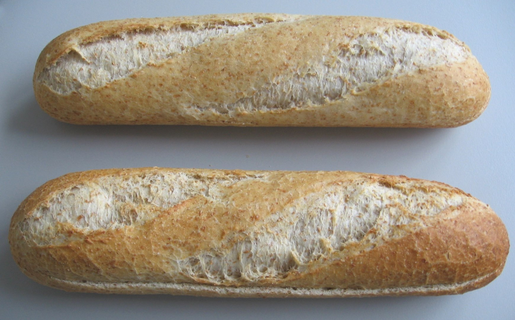 Productafbeelding FULLY BAKED PRESLICED BROWN BAGUETTE