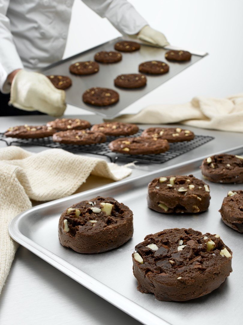 Productafbeelding Dawn Milk Chocolate Mega Cookie Puck 40 stuks doos