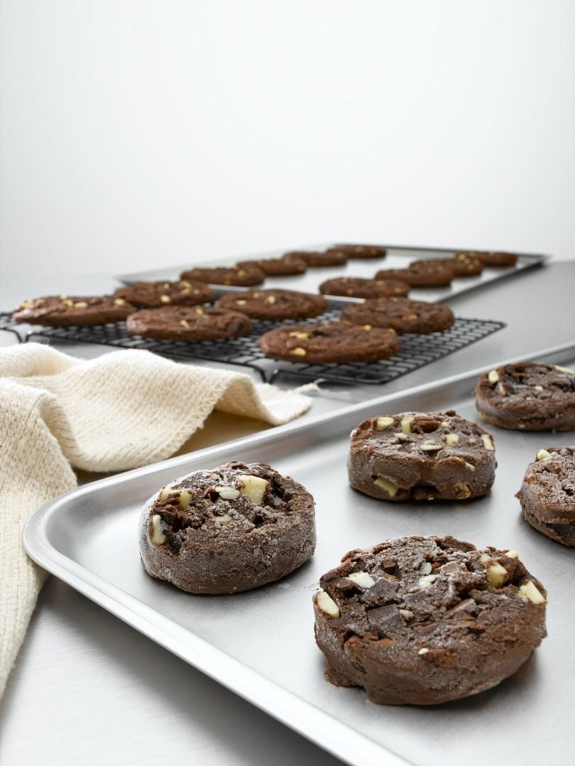 Productafbeelding Dawn Belgian Triple Chocolate Chunk Cookie Puck 90 stuks doos