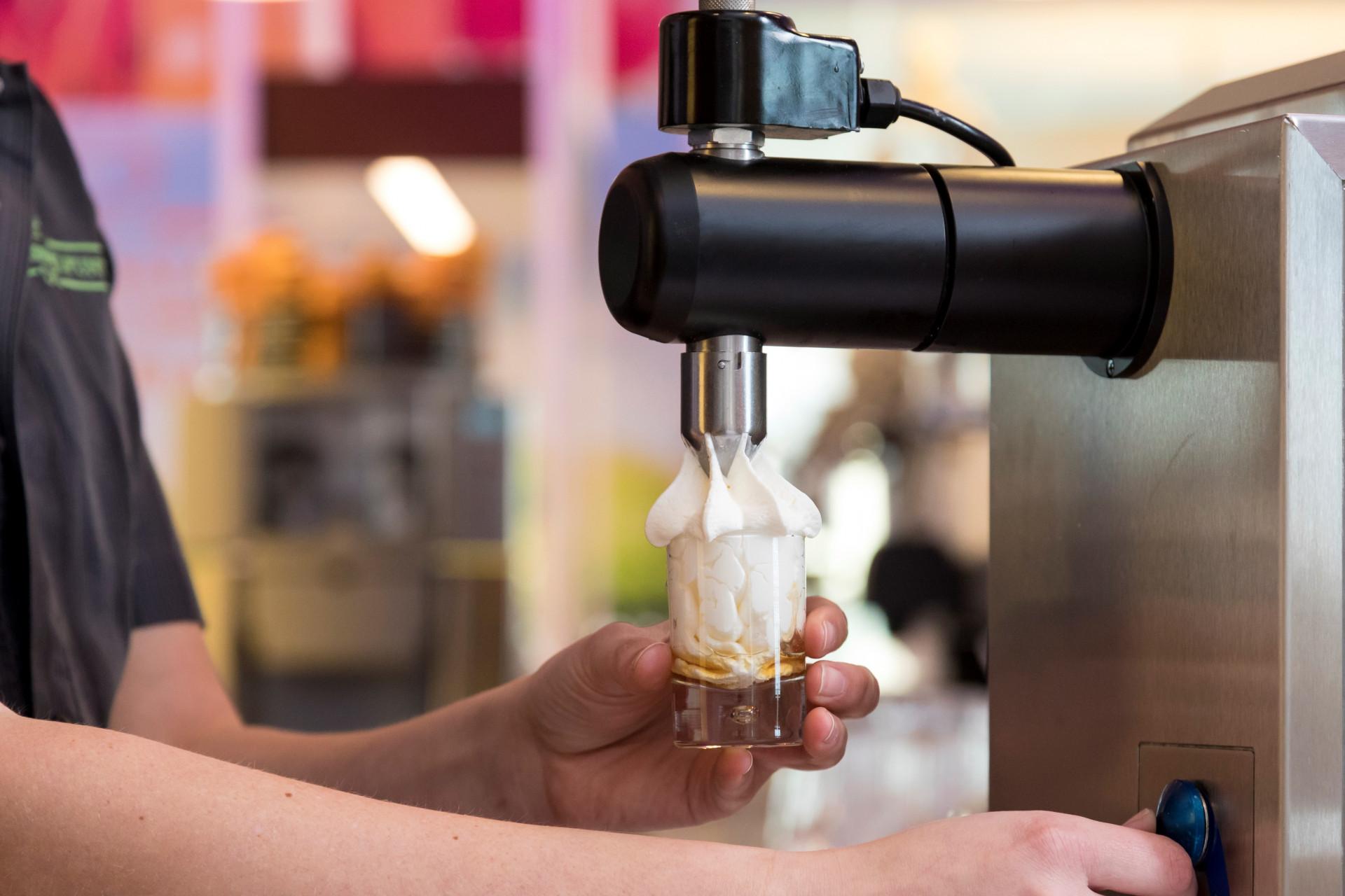 Sanomat slagroommachine