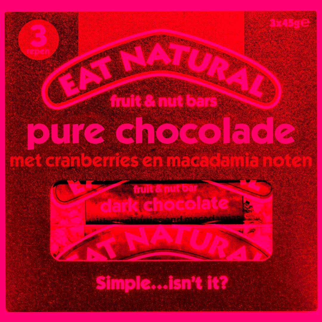Productafbeelding Eat Natural fruit & nut bar pure chocolade met cranberries en macadamianoten 3x45g